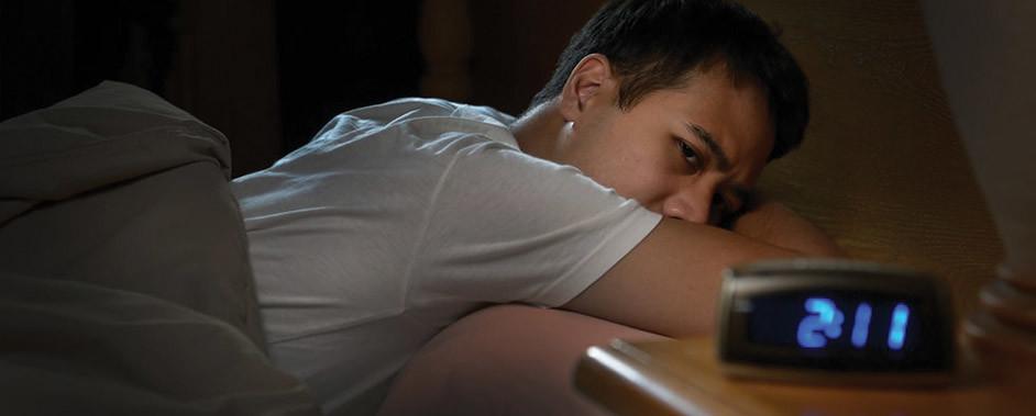 A mudança de hábitos é fundamental para combater a insônia