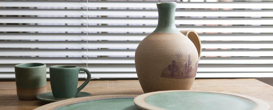 Ceramista cria peças artísticas e funcionais